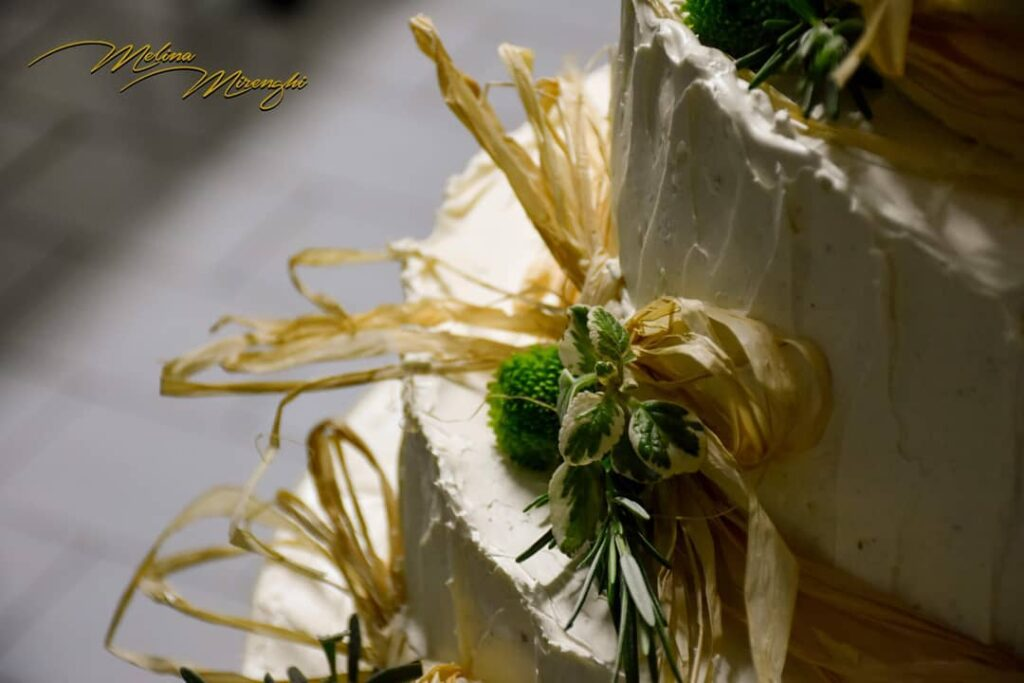 wedding cake natural style