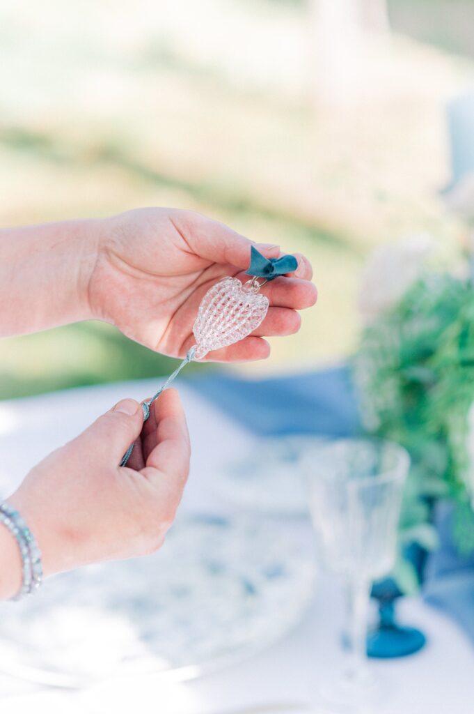 segnaposto matrimonio in costiera azzurro polvere