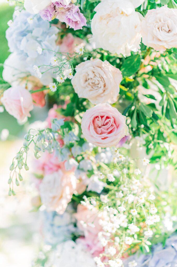 Rose inglesi, ortensie e peonie