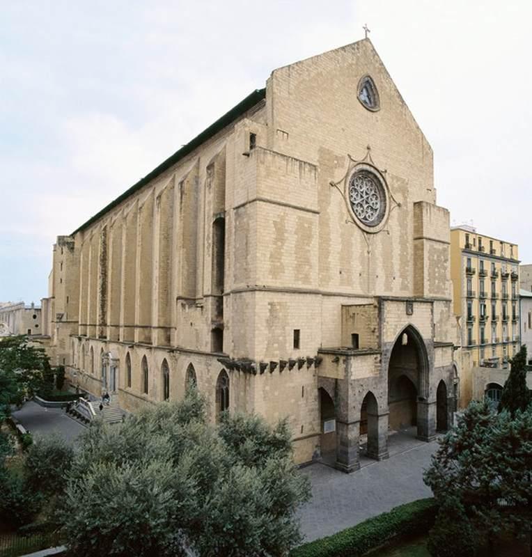 Le chiese più belle per sposarsi a Napoli : Santa Chiara